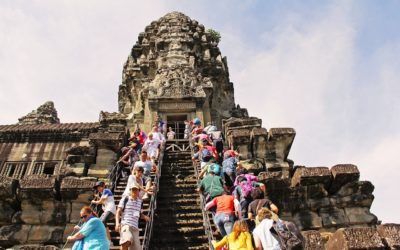 Angkor Wat History Group Tours | Lingo Tours