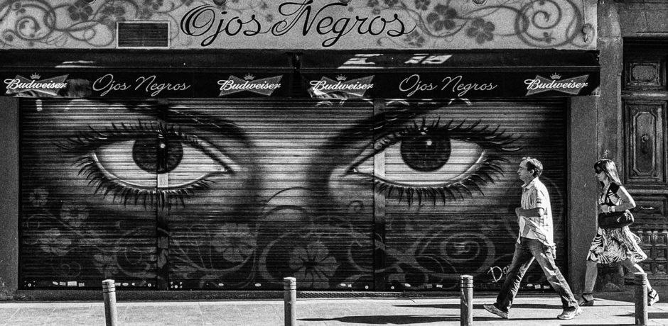 Spain Tour Madrid Mural black-white-2257865_1280