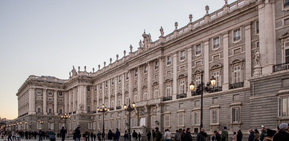 Spain Tour royal-palace-2615940_1280