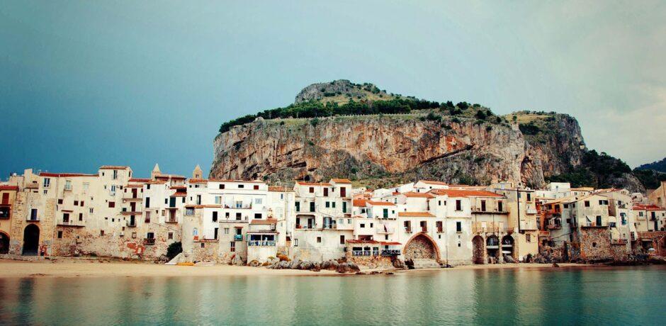 Cefalu-3749526_1280 Sicily