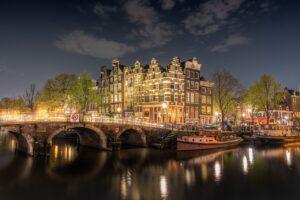 Amsterdam, Paris & Italy Tour - Lingo Tours